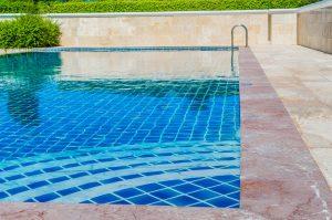 zwembad verzekeren